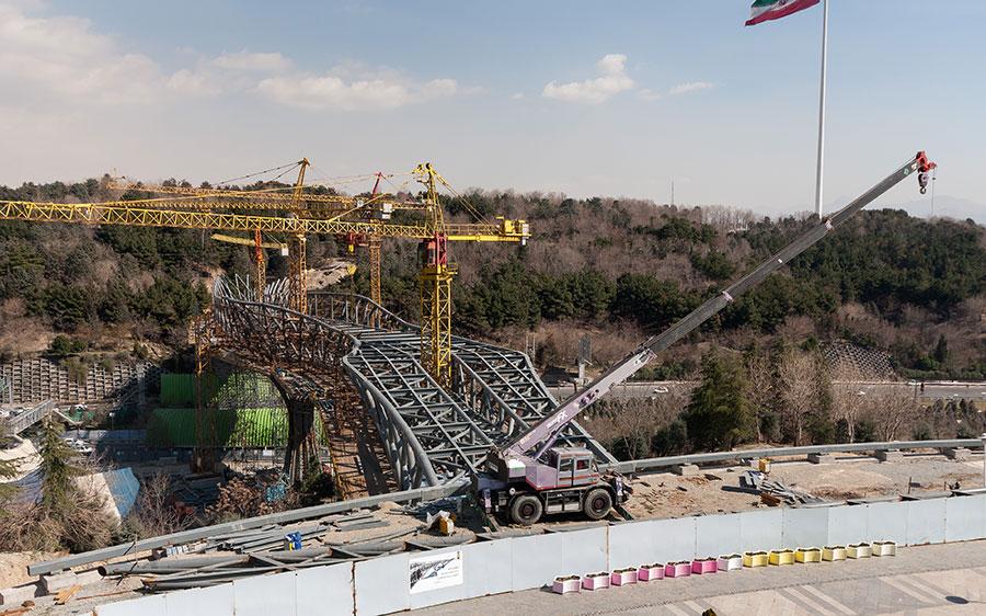 مشکلاتی که در زمان ساخت پل طبیعت پیش رو بود