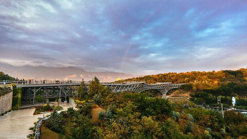 پل طبیعت و مناظر دیدنی اطراف آن