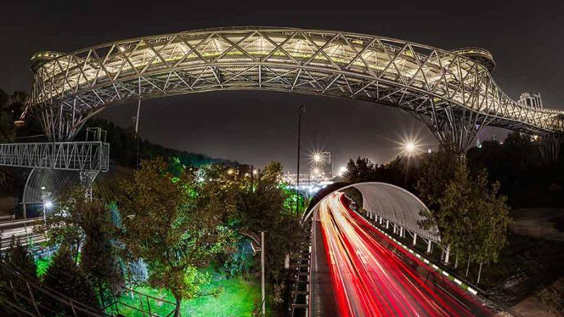 پل طبیعت بر فراز اتوبان مدرس تهران